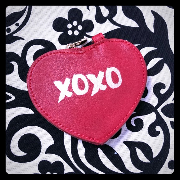 3/$20 Xoxo Change Purse red heart